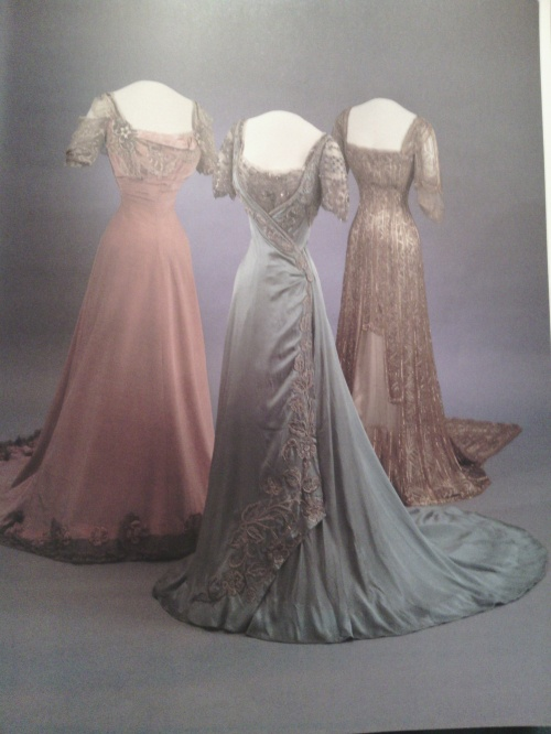 Book's caption is Three evening gowns, 1907-9, centre gown by LaFerriere, Paris.  I really would love to make a better version of it, it's so beautiful.